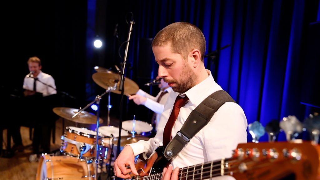 Bassist Erno Klijzing