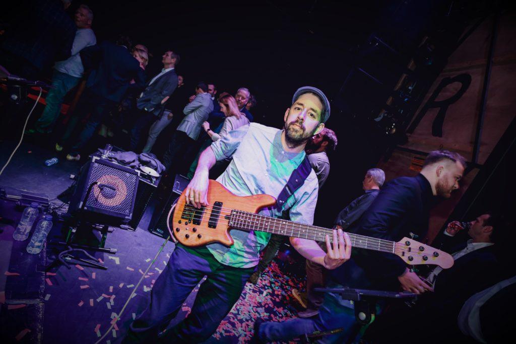 contact bassist basleraar Enschede