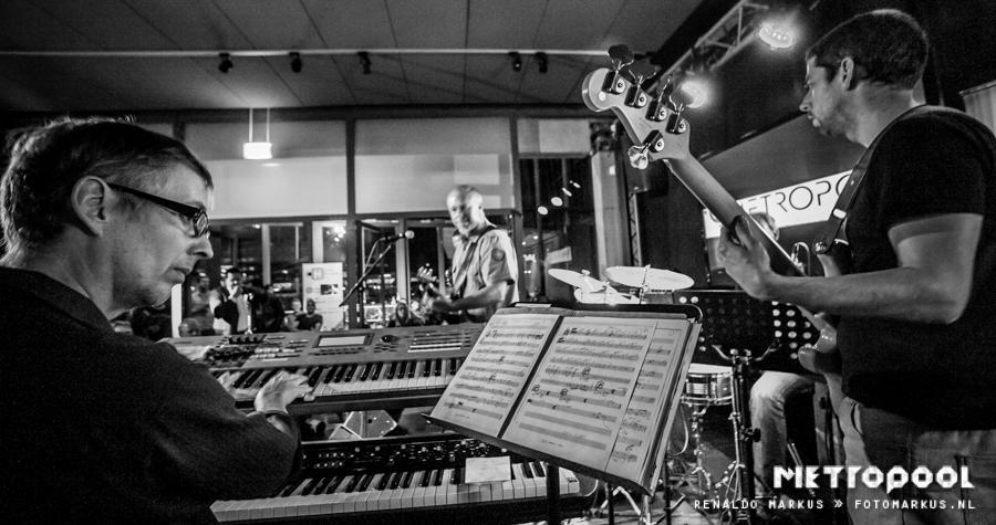 Erno Klijzing: bassist, basleraar, componist en producer in Enschede